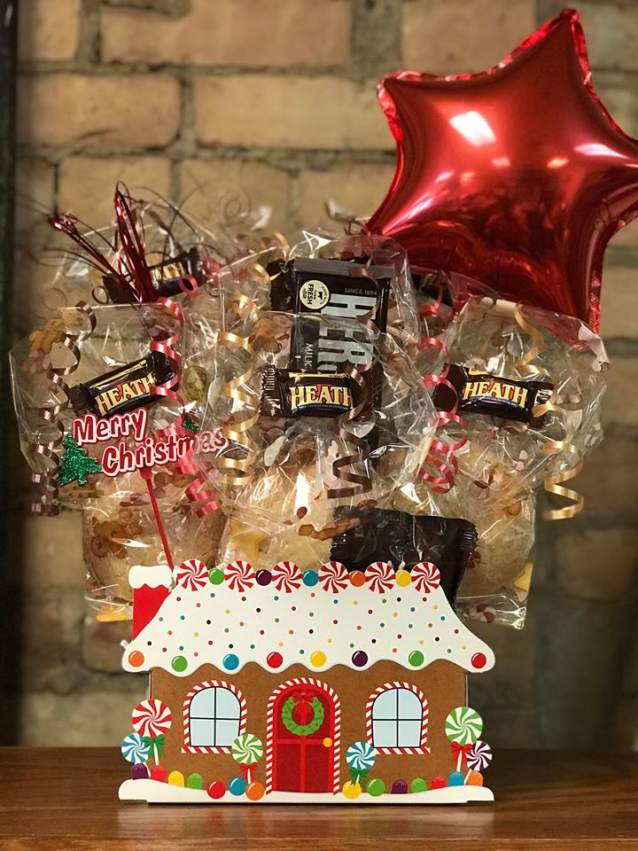 Gingerbread House Cookie Bouquet