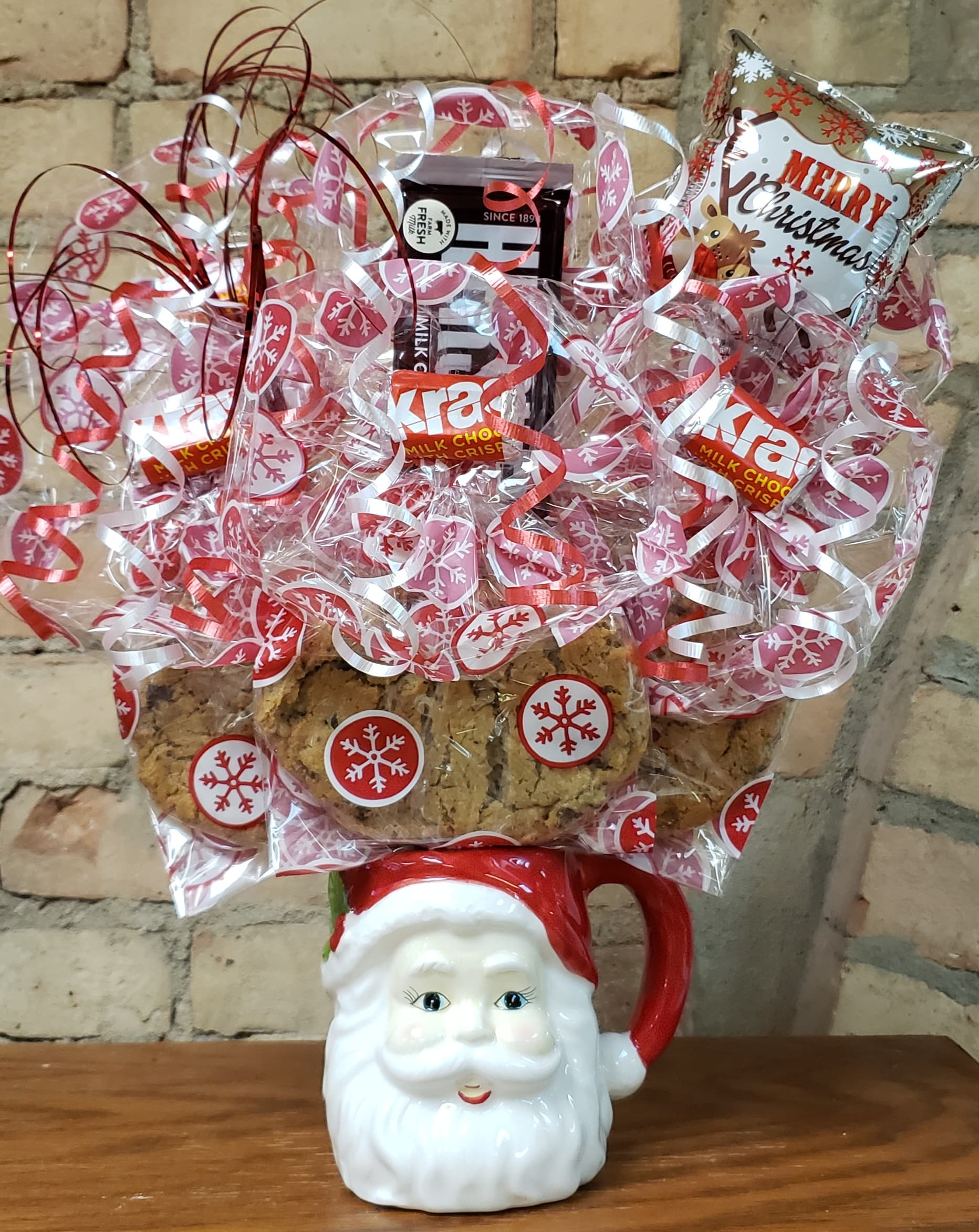 Santa Face Mug Cookie Bouquet
