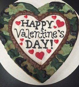 Camo Valentine's Day Heart Cookie Pizza