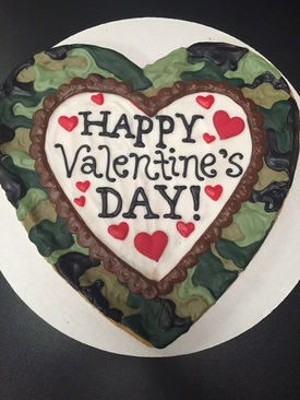 Camo Valentine's Day Heart Cookie Pizza